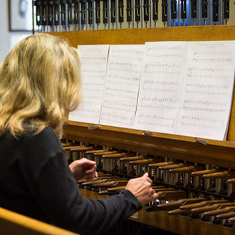 Carillon performances and tours