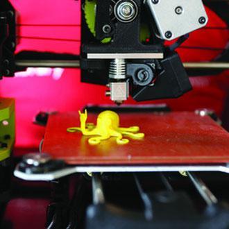 Pop Up ThinkSpace – Robot Bowling, Virtual Reality, 3D printing