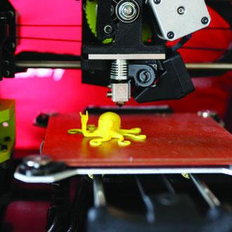 Pop Up ThinkSpace – Robot Bowling, Virtual Reality, 3D printing